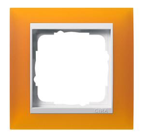 Рамка, янтарная с белой вставкой Gira Event