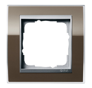 Рамка, коричневыая со вставкой под алюминий Gira Event Clear